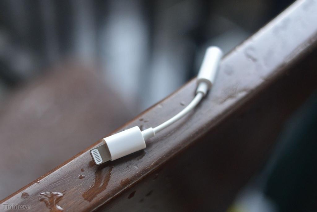 「iPhone 7」、Lightningヘッドフォンジャックアダプタが流出?
