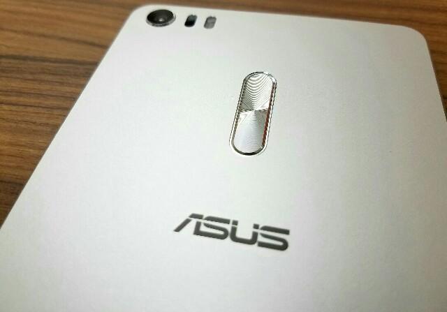 ASUS ZenFone 3 Ultra ZU680KLを使ってみて分かった満足点と不満点について!