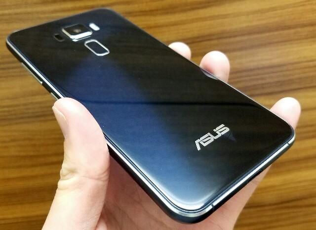 国内版ASUS ZenFone3 (ZE520KL)実機レビュー!誰でも扱いやすいコスパ最強SIMフリースマートフォン
