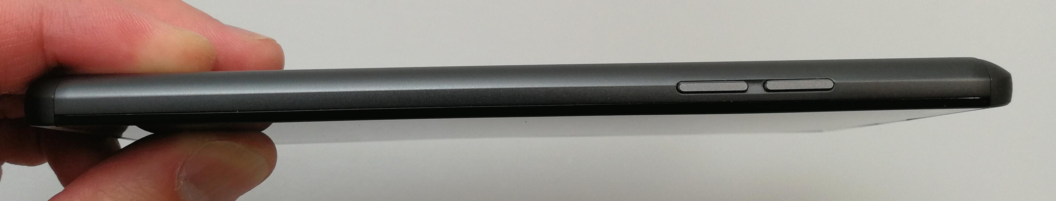 LG V20 PRO L-01J実機フォトレビュー!デュアルカメラ搭載に加え、想像を超える135°広角レンズが凄い