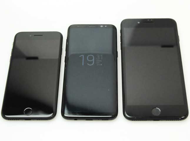 Galaxy S8のサイズ感が凄すぎる!5.8インチの大画面なのに、本体サイズは4.7インチiPhone 7と同等!?【iPhoneXサイズ比較追記】