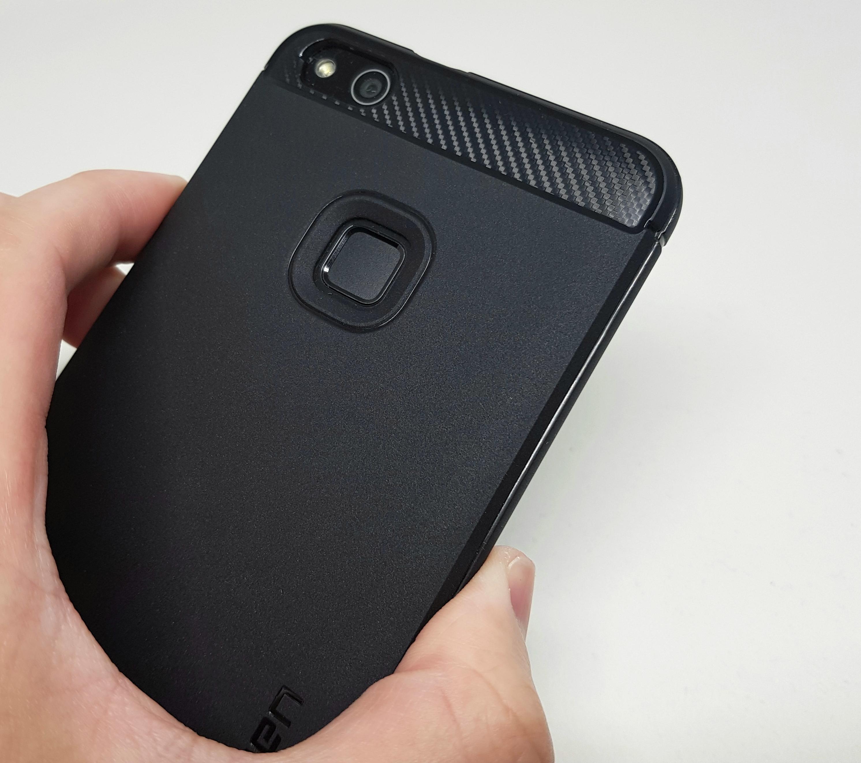 Huawei P10 liteにオススメしたい「Spigen ラギッド・アーマー」ケース!