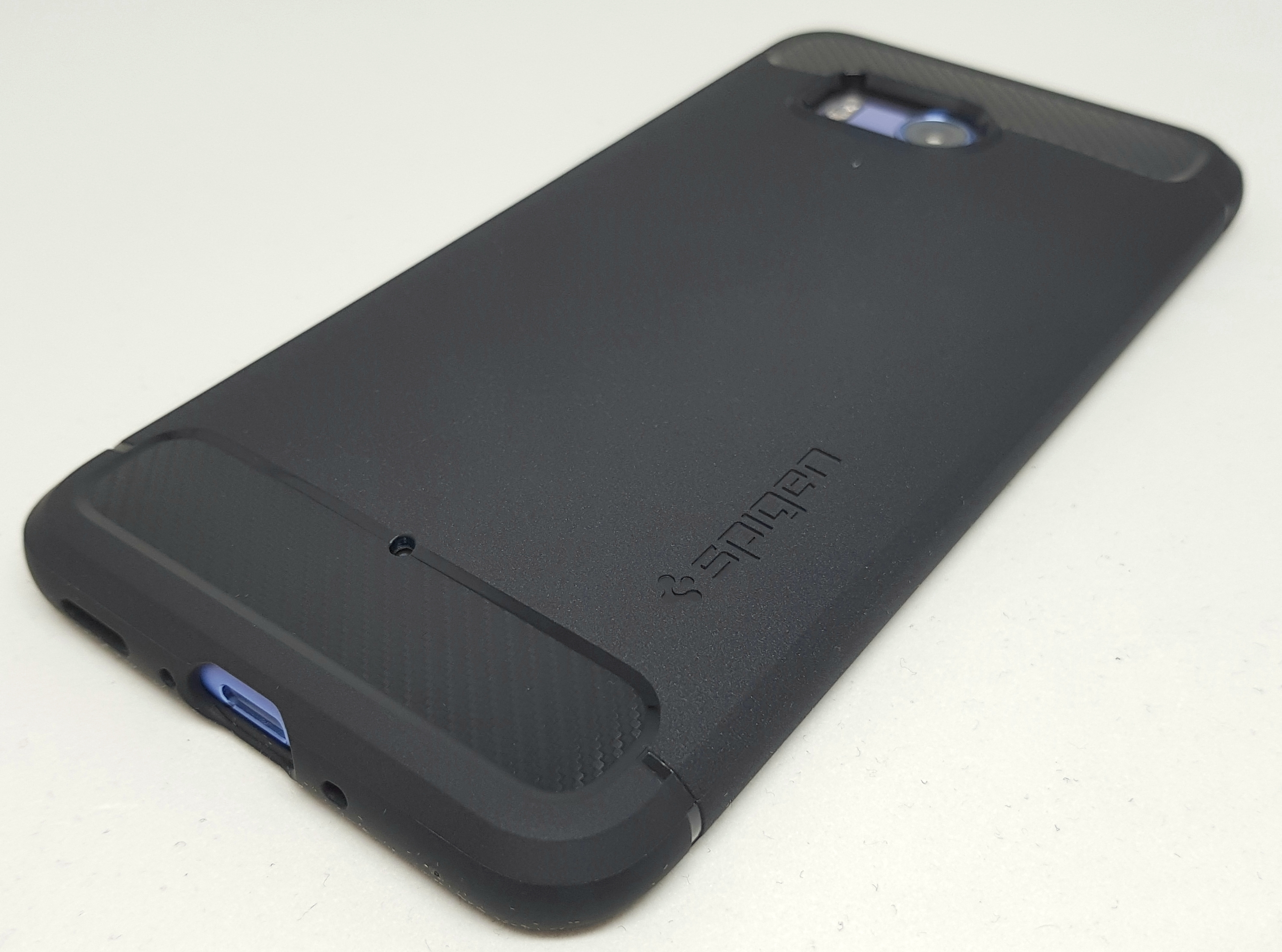 HTC U11を使うなら絶対的にオススメなケース「Spigen ラギッド・アーマー」