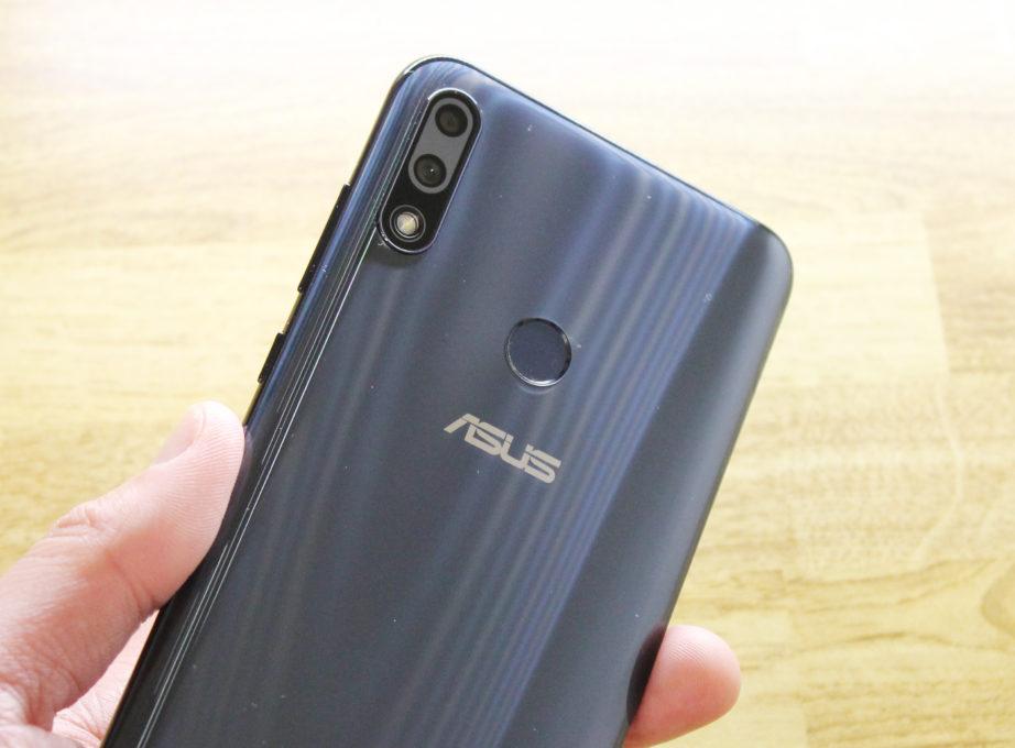 ASUS ZenFone Max Pro (M2)指紋認証とカメラ