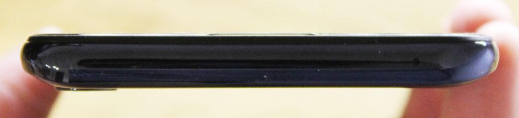 ASUS ZenFone Max Pro (M2)側面2