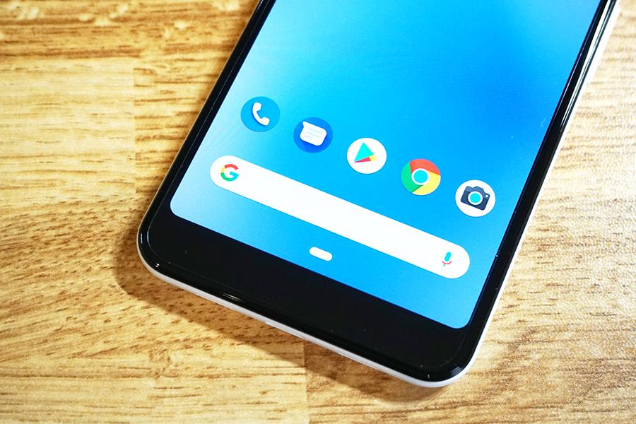 Google Pixel 3a用ミヤビックス保護フィルムを貼ってみた状態の下部