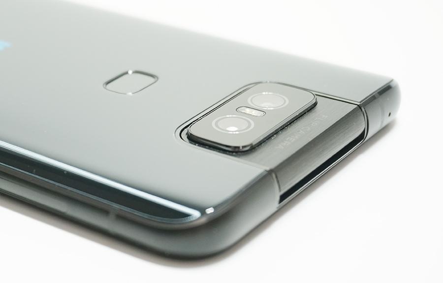 ZenFone 6のフリップカメラ部分に傷が付きやすい