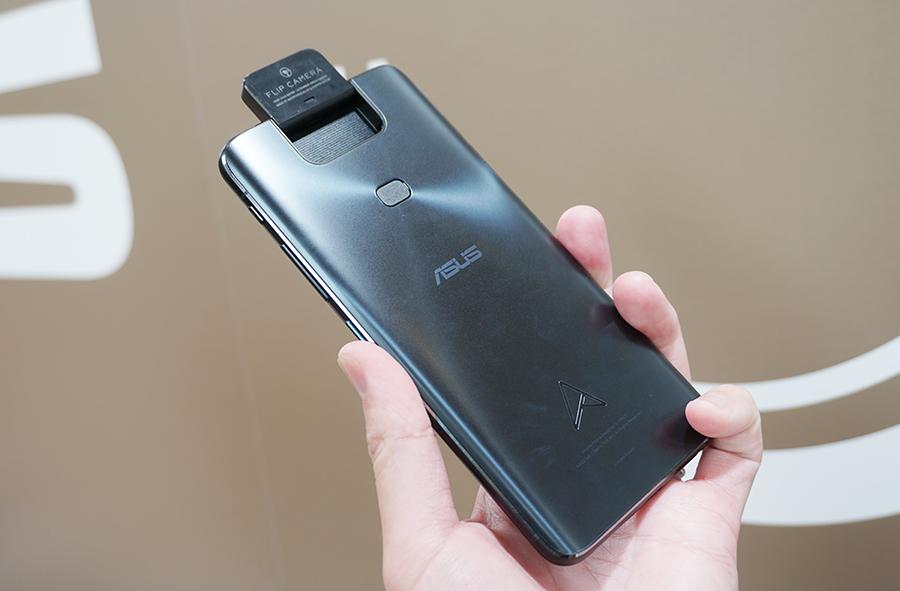 ZenFone 6のフリップカメラも使える