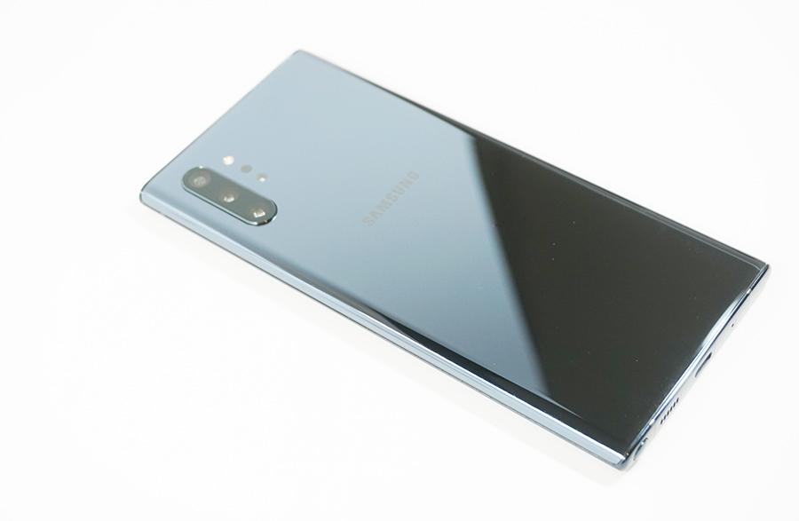 海外版Galaxy Note10+の背面