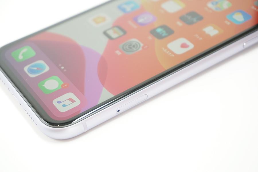 iPhone 11のSIMスロット