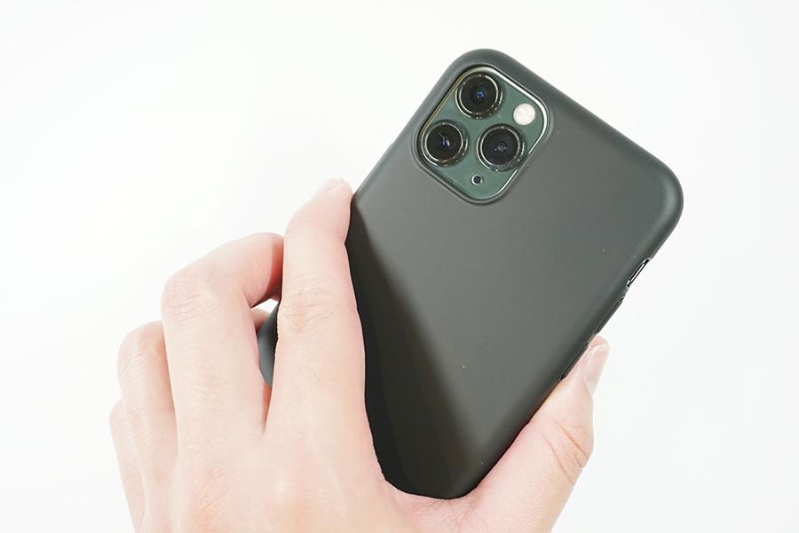 ブラックバードケースをiPhone 11 Proに付けて持ってみた
