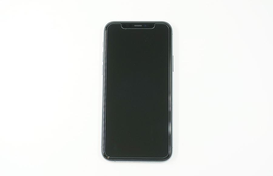 iPhone 11 Proに装着させガラスフィルムを上から貼るだけ