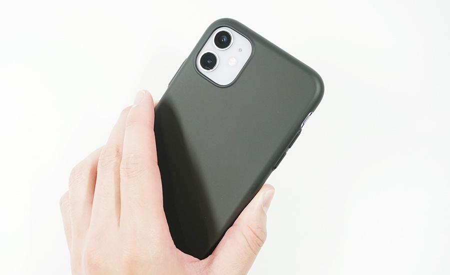 ブラックバードケースをiPhone 11に付けて持ってみた