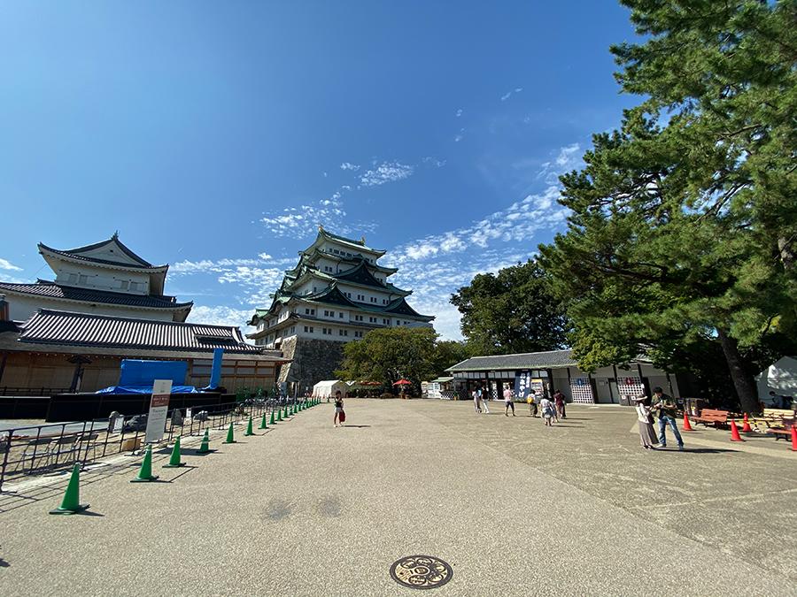 iPhone 11 Proの超広角で撮影した名古屋城