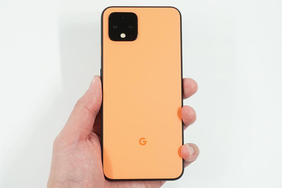 Google Pixel 4を手に持ってみた背面