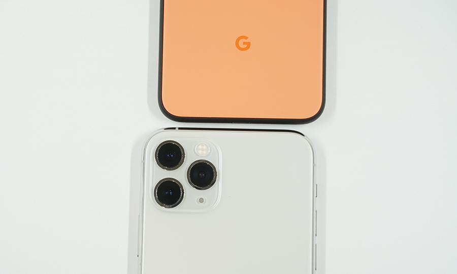横幅はiPhone 11 Proよりも狭くなっている