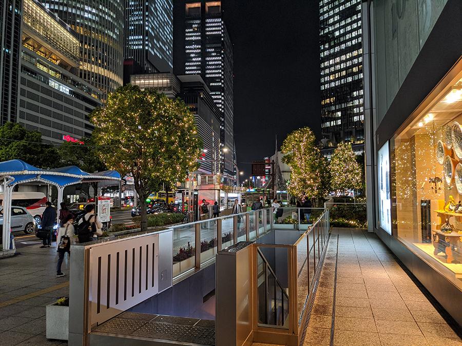 Pixel 4の夜景撮影歩道