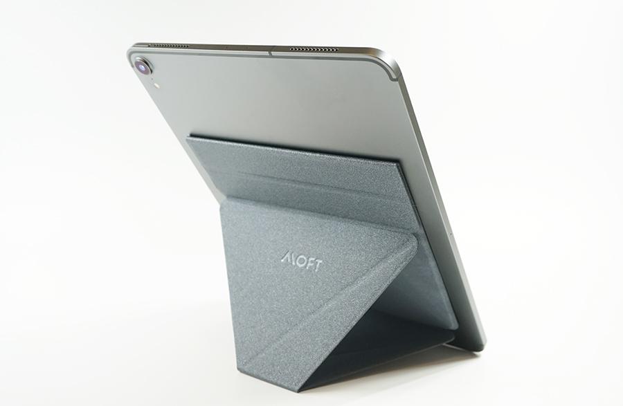 iPad Pro 11インチに貼り付けてみました