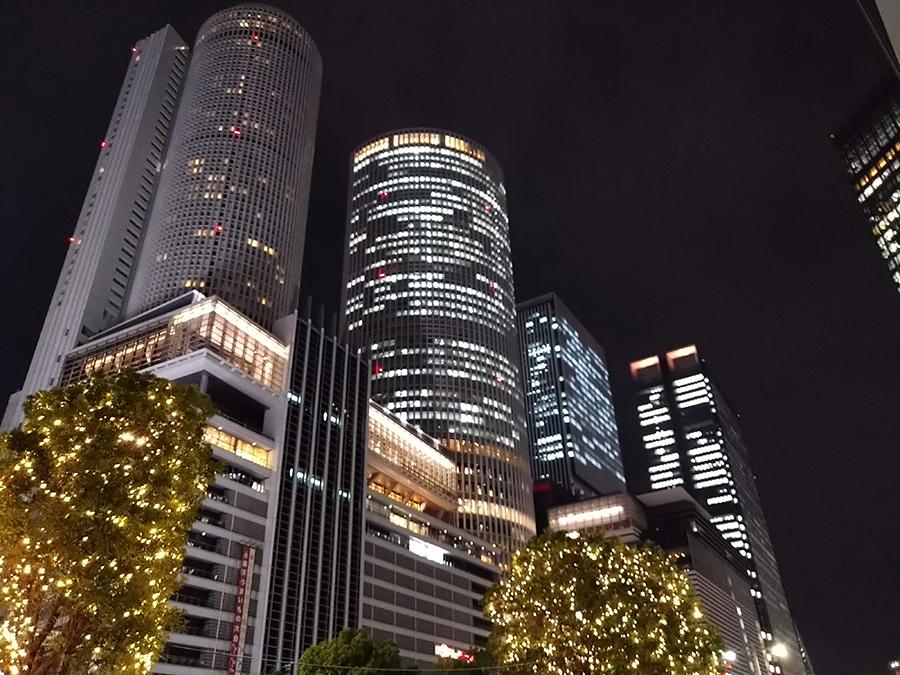 Xperia 8で実際に撮影した名古屋駅夜