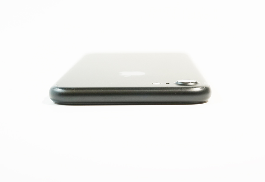iPhone 7側面上部