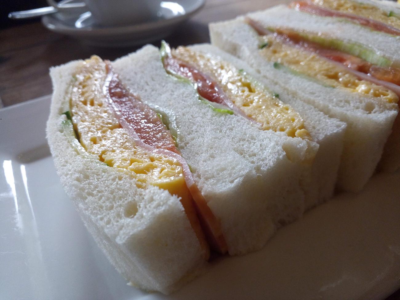 KINGKONG MINIのカメラで撮影したサンドイッチ