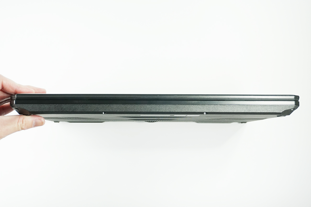 ASUS TUF Gaming FX505DTの前面