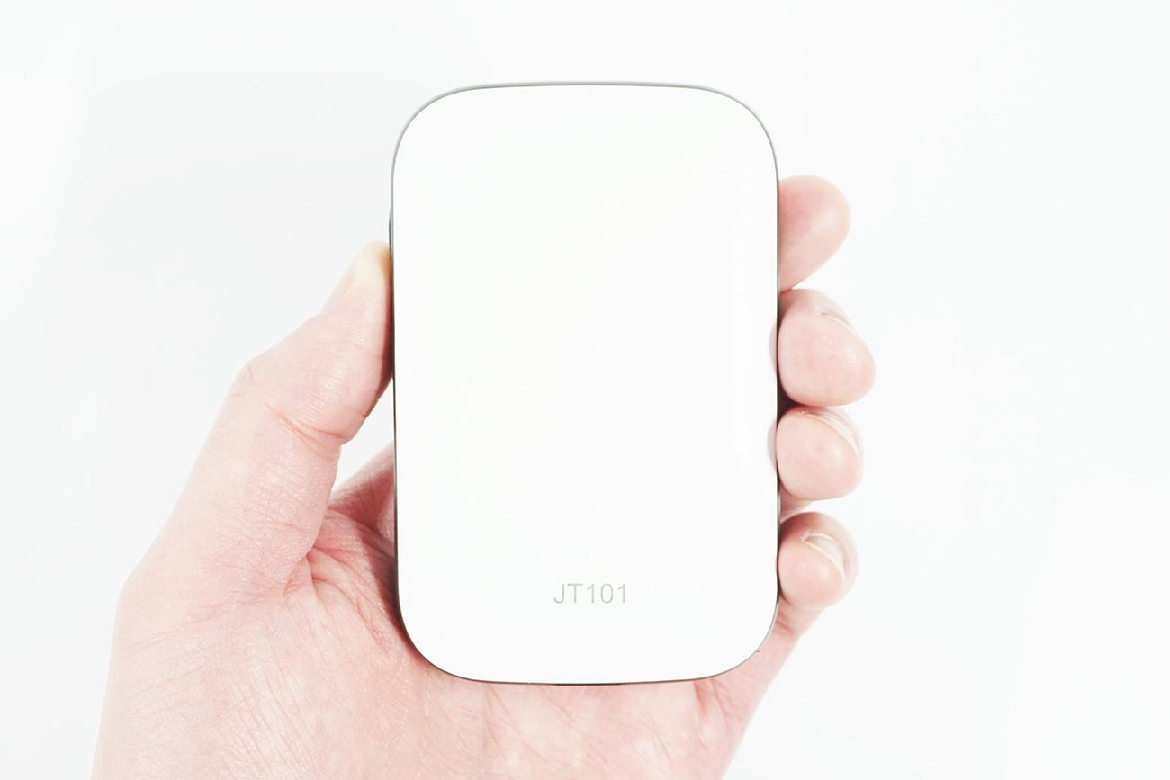 モバイルルーターJT101の背面