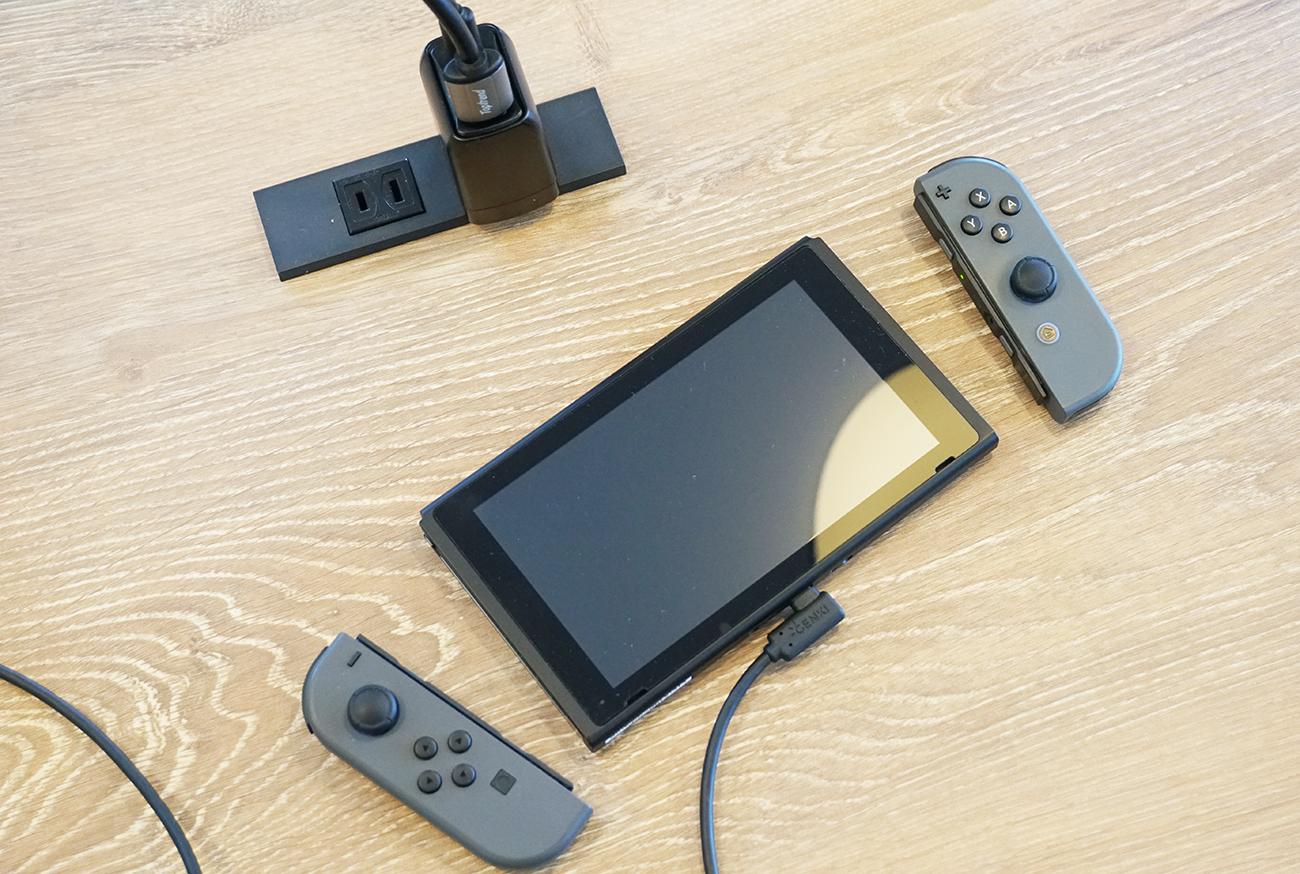 Nintendo Switchを置くスタンドを準備しておくとさらに良いかも