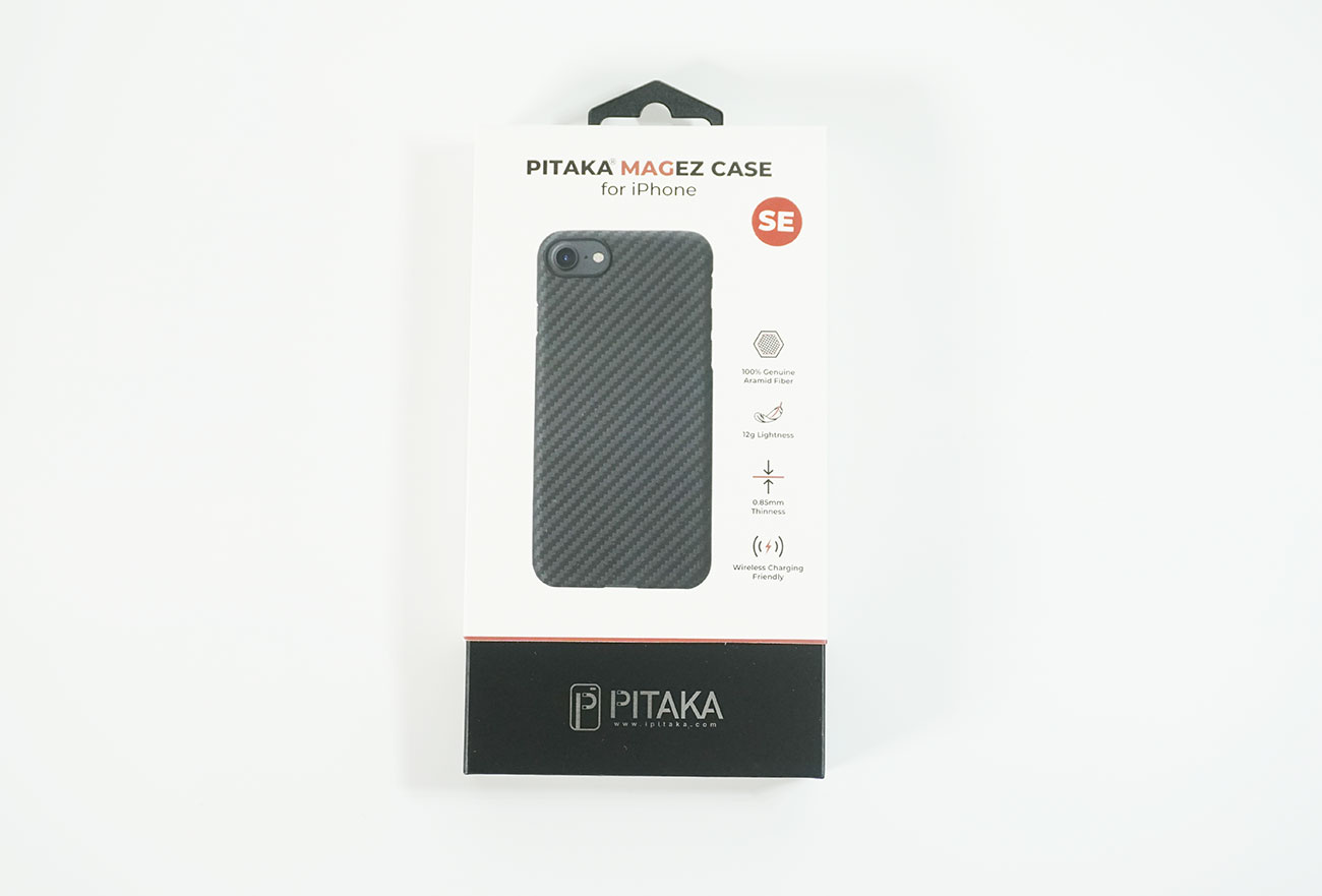 PITAKA MagEZ Case for iPhone SE 第2世代のパッケージ