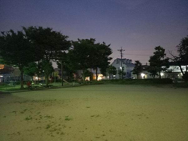 Galaxy A41の標準(AIオート)で撮影した夜景