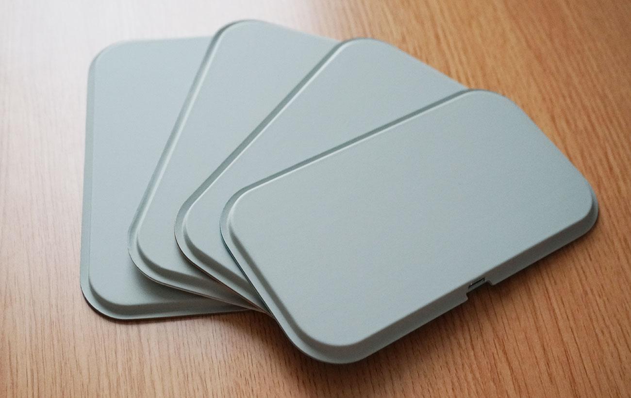 カラー問わず共通でPU素材を使用